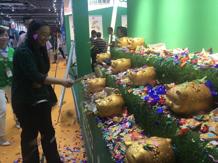 太氧谷强势出征广州家博会,厂家直供掀签单狂潮!